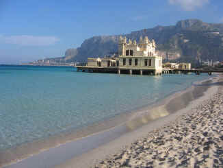 Hotels And Places Of Amut Many Palermitans Have Chosen To Live In Mondello A Place That Can Be Rightly Called Garden City Far From The Nearby